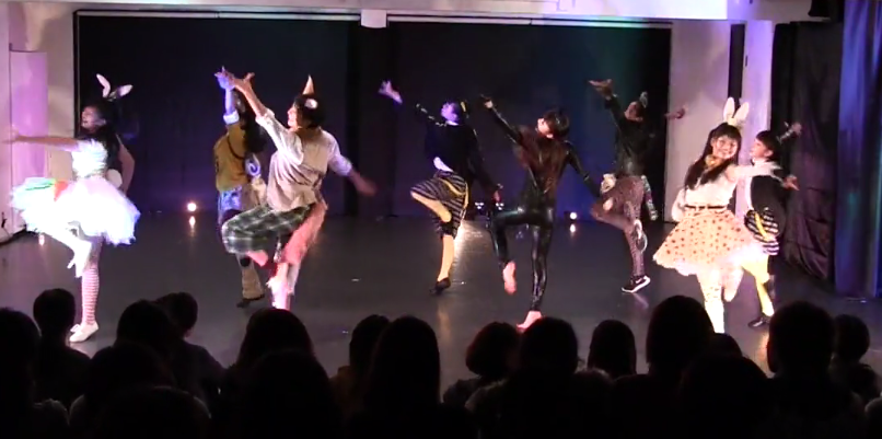 DANCE LABはまさに踊りの実験室。